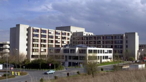 Kliniken geben 14 Millionen Euro für Gutachten aus