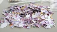 Echte Geldscheine auf der Straße