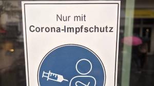 Falsche Corona-Aufkleber an Geschäften angebracht