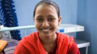 Kann dank der Hilfe der Leser wieder lachen und sich medizinisch behandeln lassen: Shazia Khatoon.
