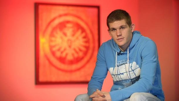 Sebastian Jung - Der junge Profi von Eintracht Frankfurt und beinahe Nationalspieler im Gespräch mit Alexander Westhoff.