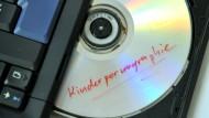 Strafbare Daten: Ein früherer CDU-Politiker aus Frankfurt hatte kinderpornografisches Material besessen (Symbolbild).