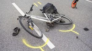 Junger Mann laut Zeugin an Busunfall mit Radlerin beteiligt