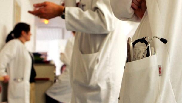 Union und Aerzte unterstuetzen Roeslers Plaene gegen Medizinermangel