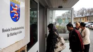 Streit um Unterbringung junger Flüchtlinge