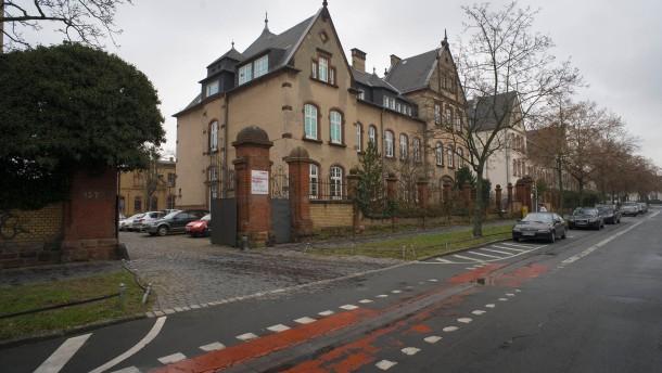 Technisches Rathaus - Das Gebäude der Stadt Darmstadt wird künftig vermutlich frei für Wohnnutzung.