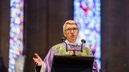 Mainzer Bischof erinnert an Tote der Corona-Pandemie