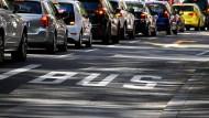 Freie Fahrt für Busse: Neue Regeln könnten das ändern.