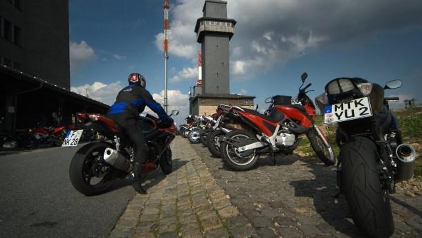 Kreis will Feldberg teilweise für Motorräder sperren
