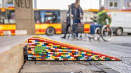 Freie Fahrt über Rampen aus Lego