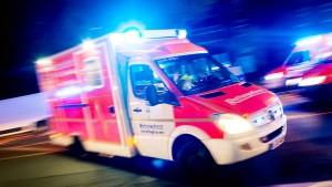 Dutzende Gaffer behindern Rettungskräfte