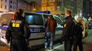 Hand ausgerutscht: Polizist muss 2500 Euro zahlen