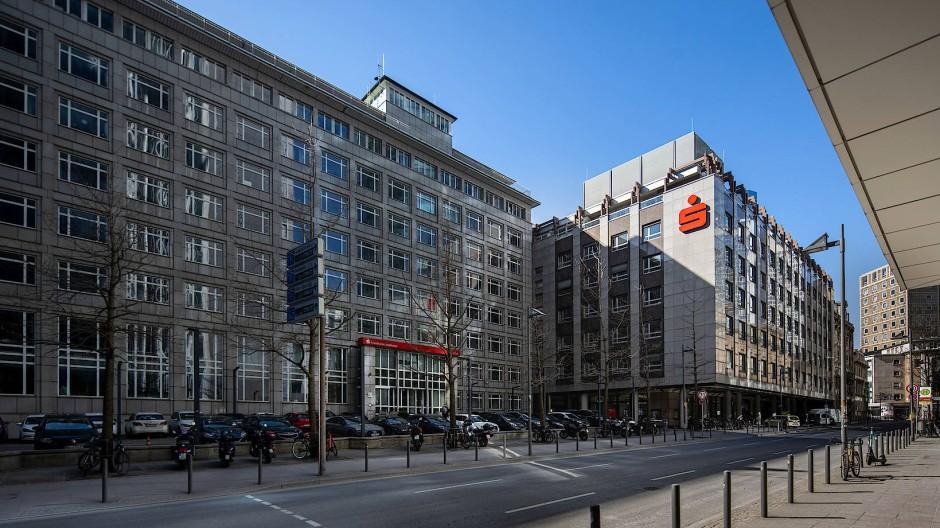 Banken Und Sparkassen Corona Krise Beschleunigt Filialsterben
