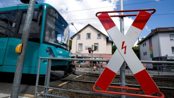 Straßenbahn auf der Rosa-Luxemburg-Allee