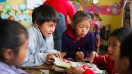 Erfolgsaussichten I: Die Schule der Stiftung Kinderzukunft in Guatemala nimmt auch Kinder aus armen Bergdörfern unentgeltlich auf