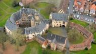 Büdingen von oben: Luftaufnahme des Schlosses in der Stadt
