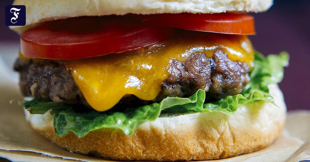 Burger vom Grill: Würzen, formen, einmal wenden!