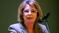 Springt ihrer Vorgängerin Puttrich von der CDU bei: Priska Hinz (Die Grünen), neue hessische Umweltministerin