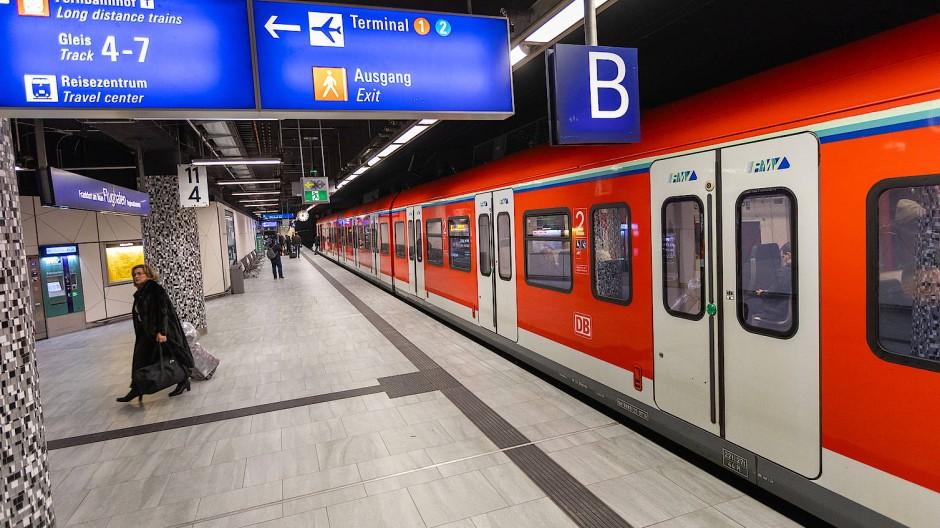 Der Regionalbahnhof am Frankfurter Flughafen