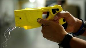 Elektroschocker in zwei Polizei-Einsätzen erfolgreich getestet