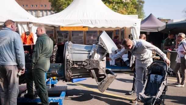 Tag der Bundeswehr: A49 wird zum Parkplatz