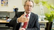 Stellt die neue Strategie vor: Josef Pfeilschifter, Dekan der Frankfurter Uni-Medizin