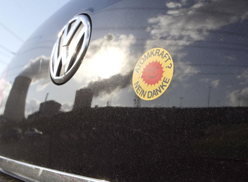 """""""Nein danke"""": Atomkraftgegner kleben sich gern die gelb-roten Kreise ans Auto."""