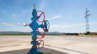 Unscheinbar: Hydranten auf dem Bohrplatz für die Tiebohrung