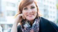 Junge Frau mit komischer Ader: Lena Liebkind, aufgewachsen in Hanau, wohnhaft in Offenbach, macht Stand-Up-Comedy.