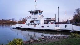 Güterschiff rammt Mainfähre bei Seligenstadt