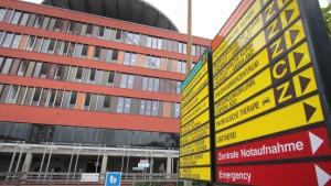 Klinikum wird vier Monate später eröffnet