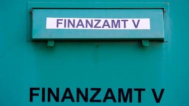 Rückblick: In der Affäre geht es um vier ehemalige Steuerfahnder, die am Finanzamt Frankfurt V zwangspensioniert wurden