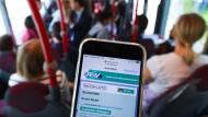 Bonus: Der RMV stellt Fahrgästen einer Schnellbuslinie des W-Lan unentgeltlich zur Verfügung