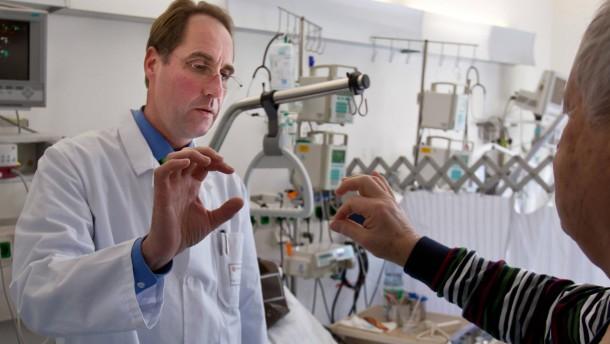 Schlaganfall-Behandlung - Am Klinikum Höchst wird bei der Behandlung der Patienten das sogenannte Bridge-Verfahren, das in Heidelberg entwickelt wurde, angewendet.