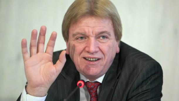 SPD legt Hessens Innenminister den Rücktritt nahe