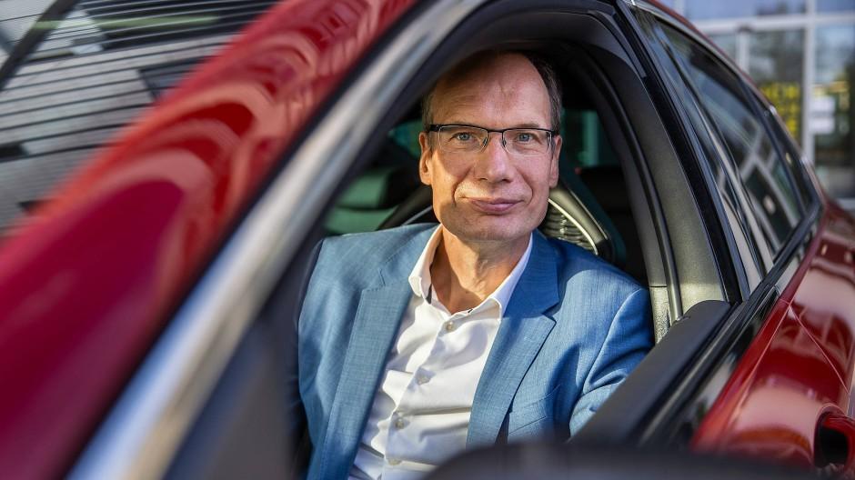 Kapitän: Opel-Chef Michael Lohscheller hat kein gutes Absatz-Jahr hinter sich
