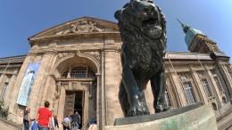 Fast 24 000 Museumsgutscheine werden in Bussen und Bahnen ausgehängt
