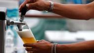 Keime in frisch gezapftem Bier