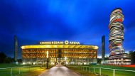 Vision: Adler-Wohnturm neben vergrößerter Arena in Frankfurt
