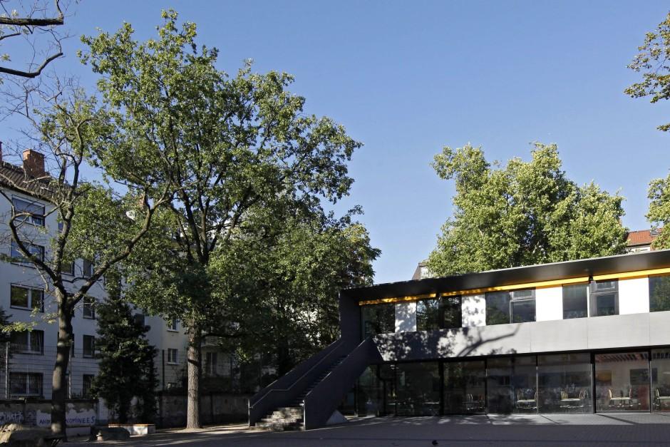 frankfurter helmholtzschule larven schuld an. Black Bedroom Furniture Sets. Home Design Ideas