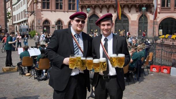 Bürgerfrühschoppen der Studentenverbindungen auf dem Römerberg