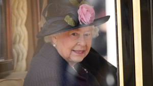 Die Queen kommt, und wenige dürfen dabei sein