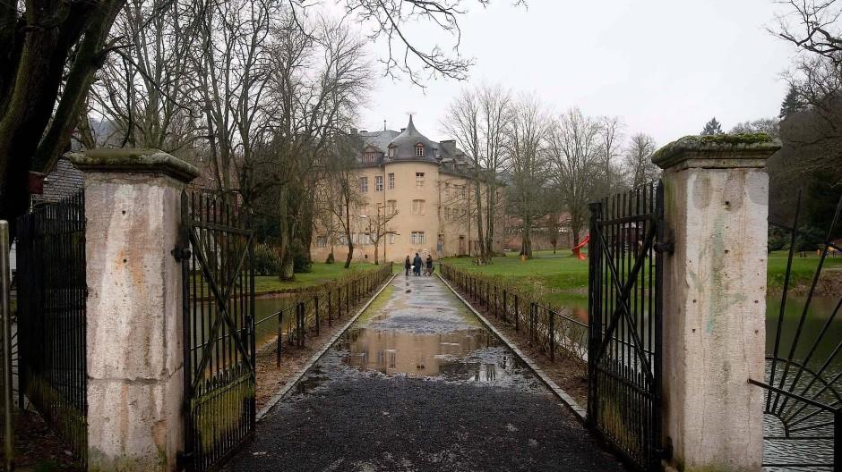 Tatort: Im Schlosspark von Wächtersbach hat ein Mann mit einer Schreckschusswaffe in die Luft geschossen