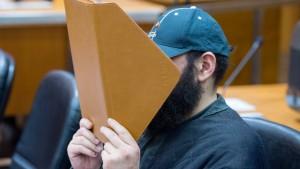 Angeklagter eng in Salafisten-Szene verstrickt