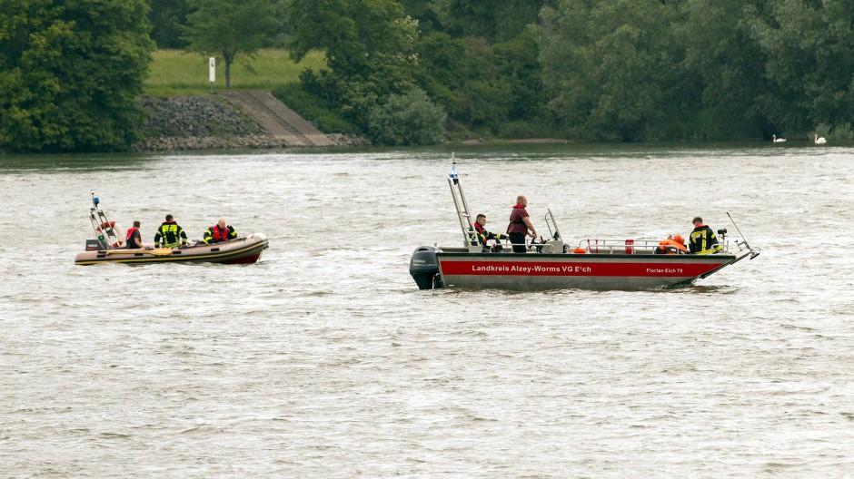 Die Suche nach einer im Rhein vermissten Frau ist eingestellt worden.