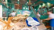 Austern und Fischsuppe