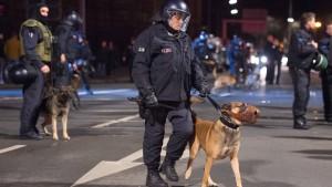 Polizei wehrt sich gegen Maulkorb-Vorwurf