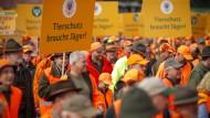 Tausende Jäger demonstrieren