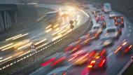 Achtjähriger radelt über Autobahn