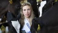 Hoheit mit Gefolge: Hessens Milchkönigin Sarah Knaust